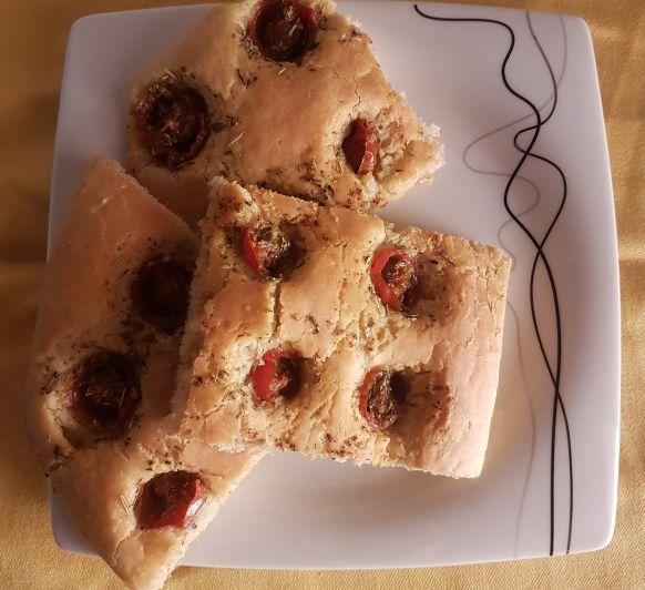 Focaccia de Cherrys con Hierbas Provenzales