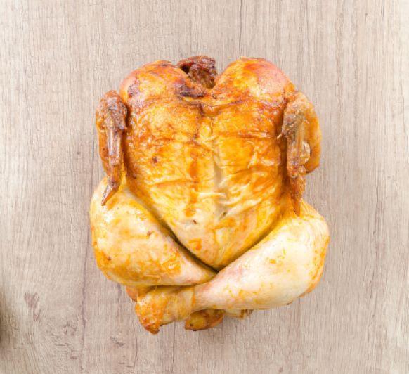 Pollo asado relleno, el plato rey de las fiestas