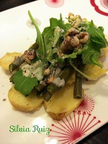 Ensalada de judías verdes, patatas nuevas y rúcula con aliño de nueces