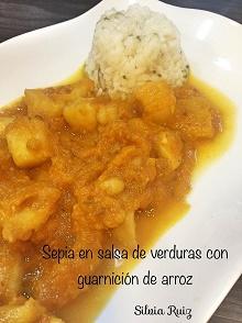 Sepia en salsa de verduras con guarnición de arroz