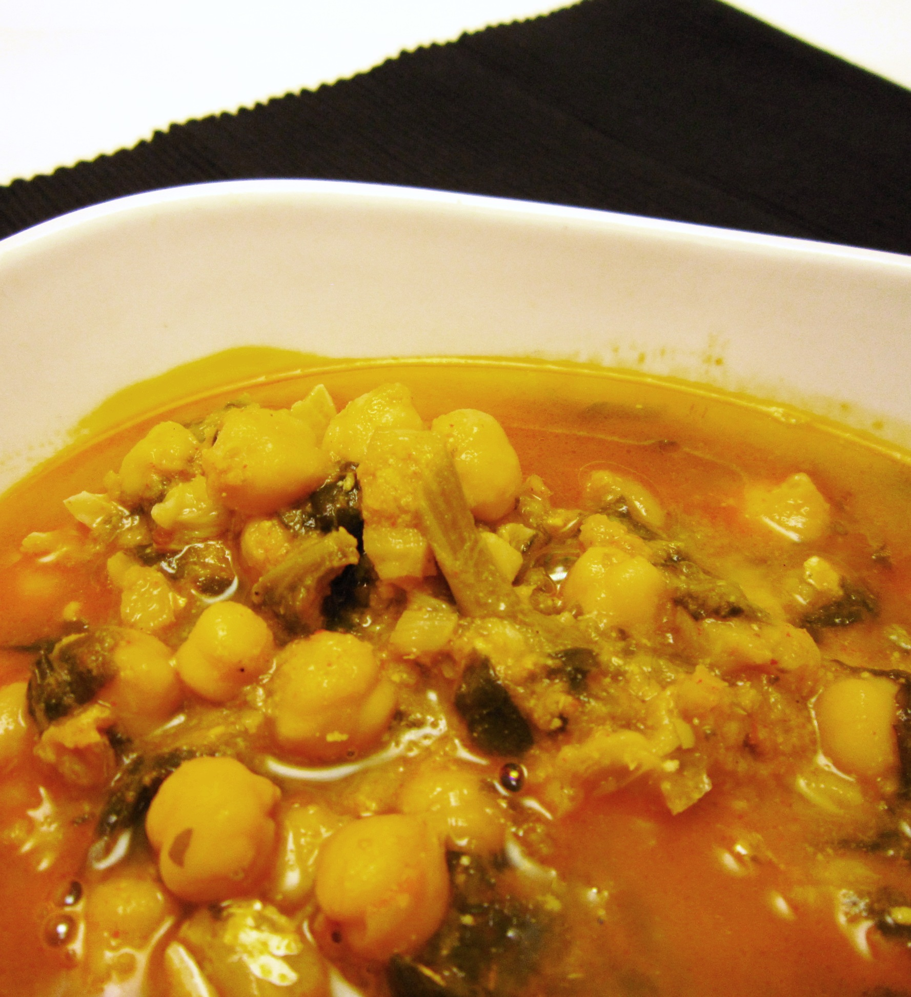 Garbanzos con bacalao y espinacas legumbres y platos de - Garbanzos espinacas bacalao ...