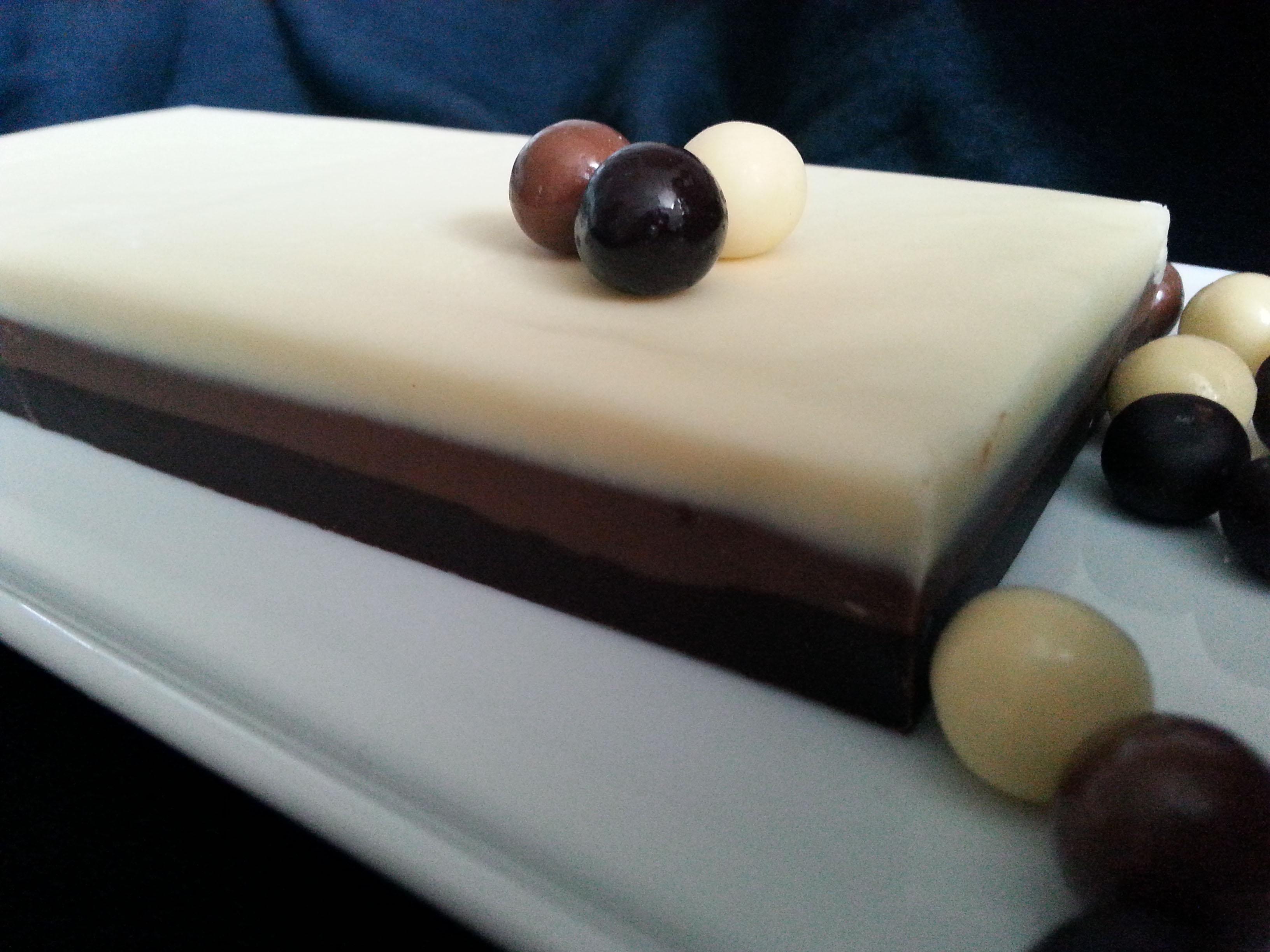 TURRÓN DE 3 CHOCOLATES