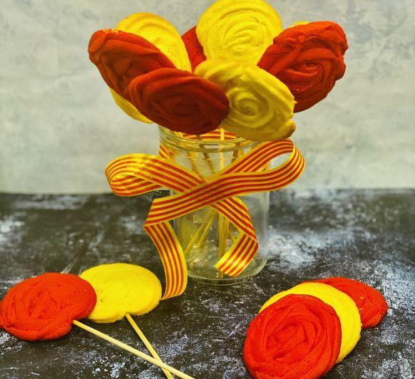 Piruletas de Galletas con formas de Rosas
