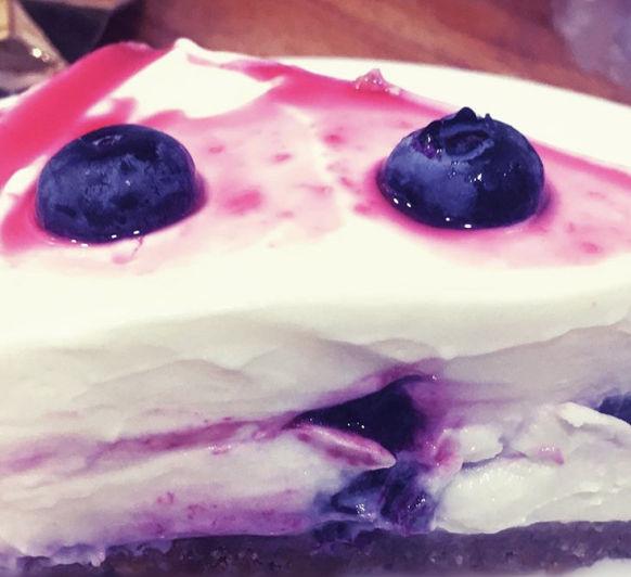 Cheesecake de mascarpone con arándanos