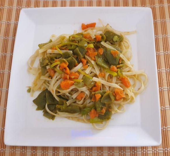 Noodles con judías verdes