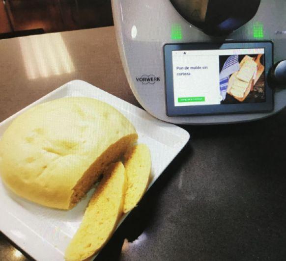 Pan de molde sin corteza en el Varoma