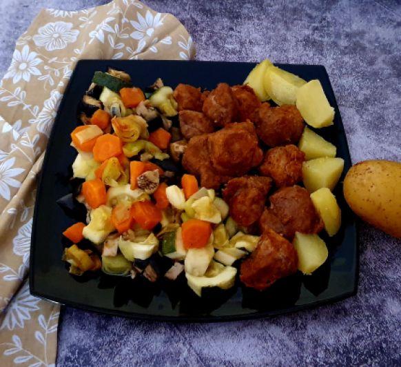 Verduras, patatas y pavo al vapor