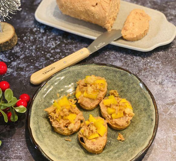Turrón de foie, cebolla frita y mango Con Thermomix®