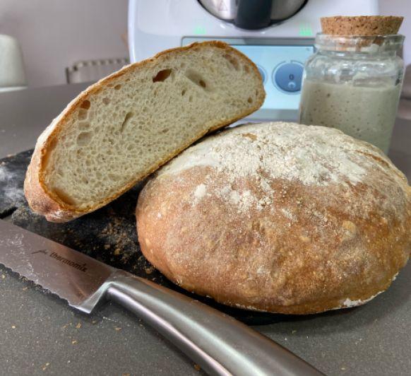 Pan gallego (con masa madre / fermento natural activado)